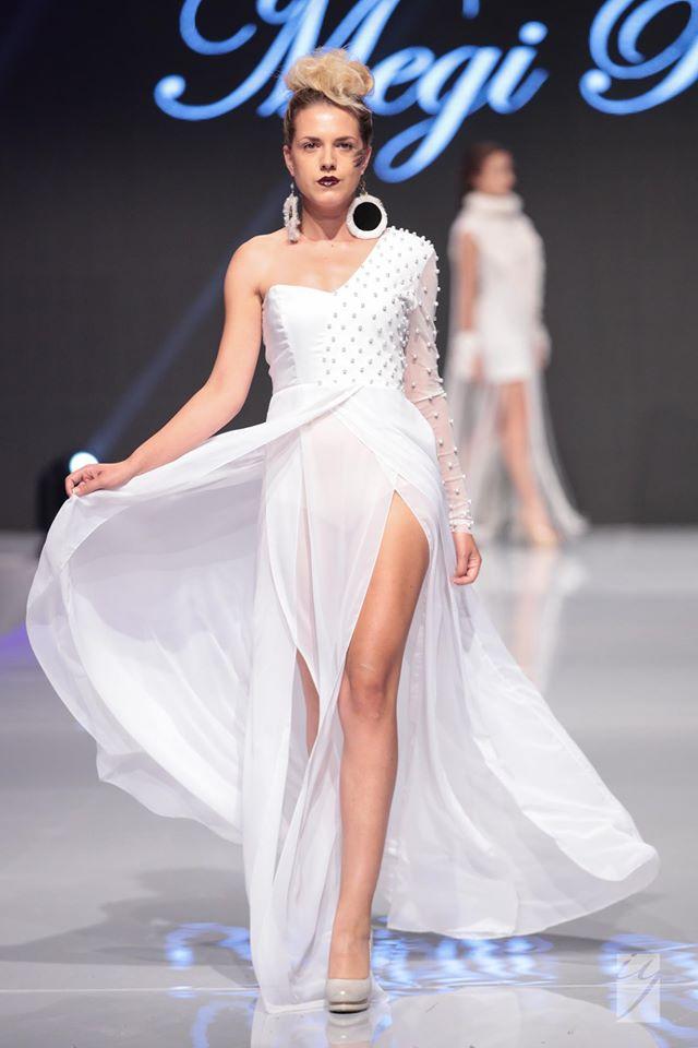 MP Design Рокля в снежно бяло с перли Официални рокли София