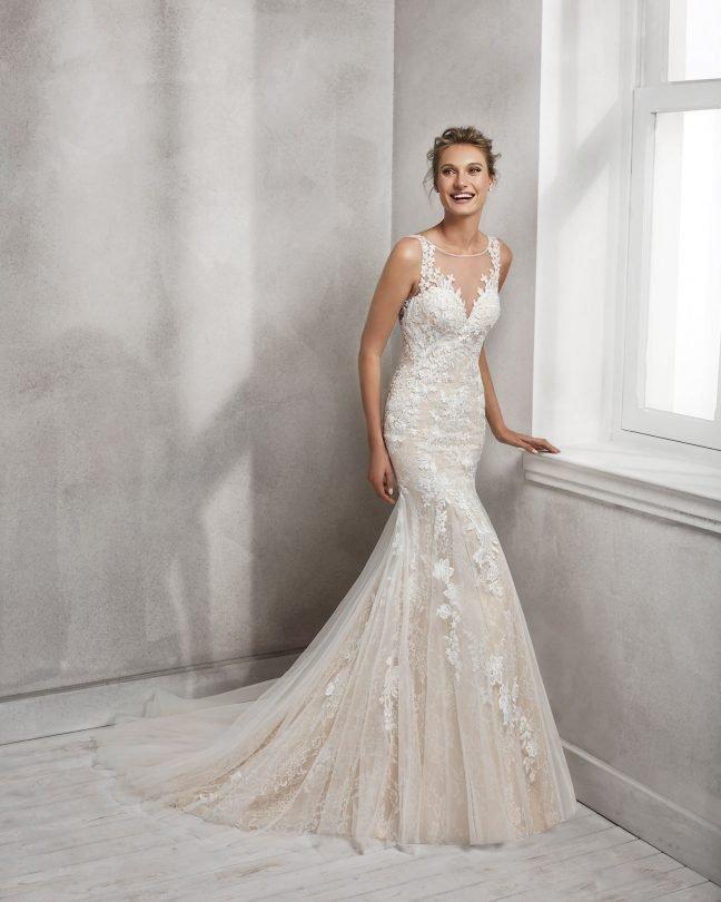 Luna Novias Сватбени Булчински рокли Открийте ги в магазина ни в София