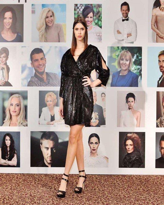 Авторските тоалети MP Design Официални рокли София Black Angel коктейлна рокля